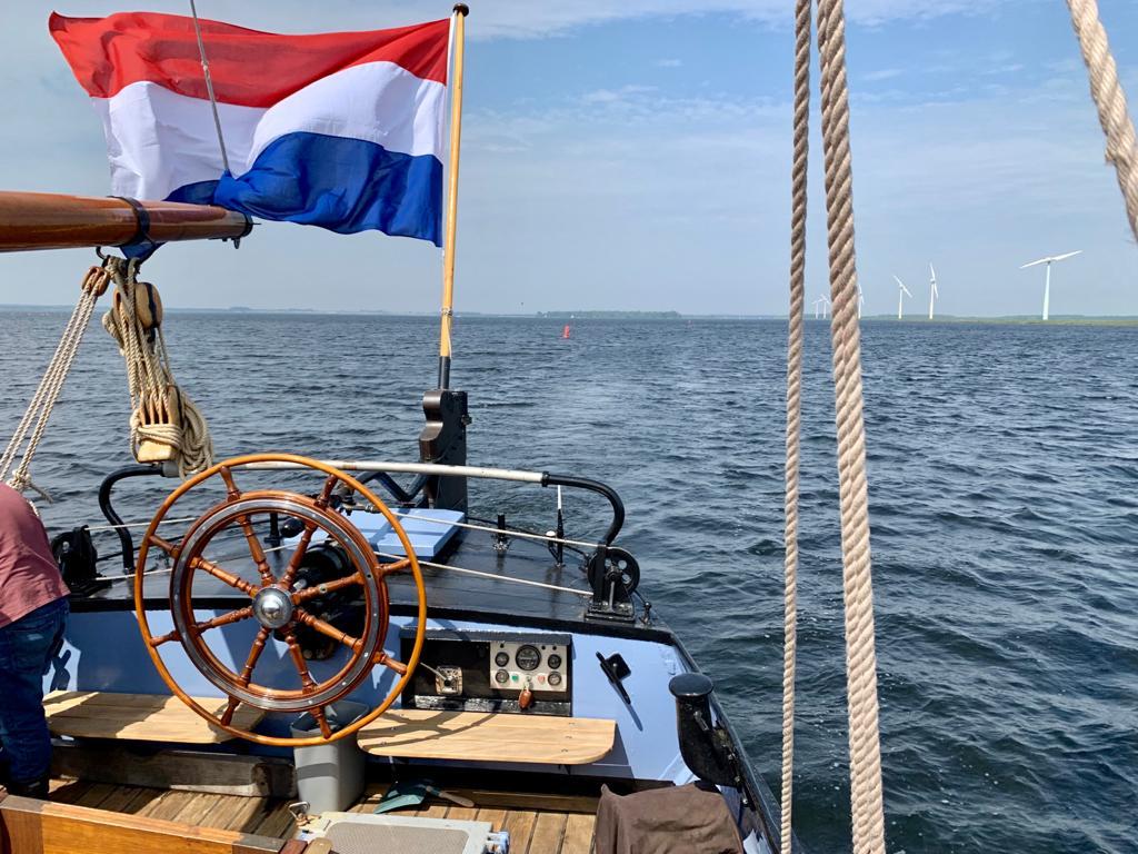 Stuurautomaat inregelen op een Noordzeebotter